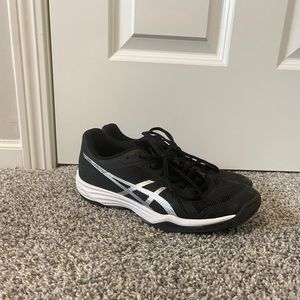 black asics volleyball shoes